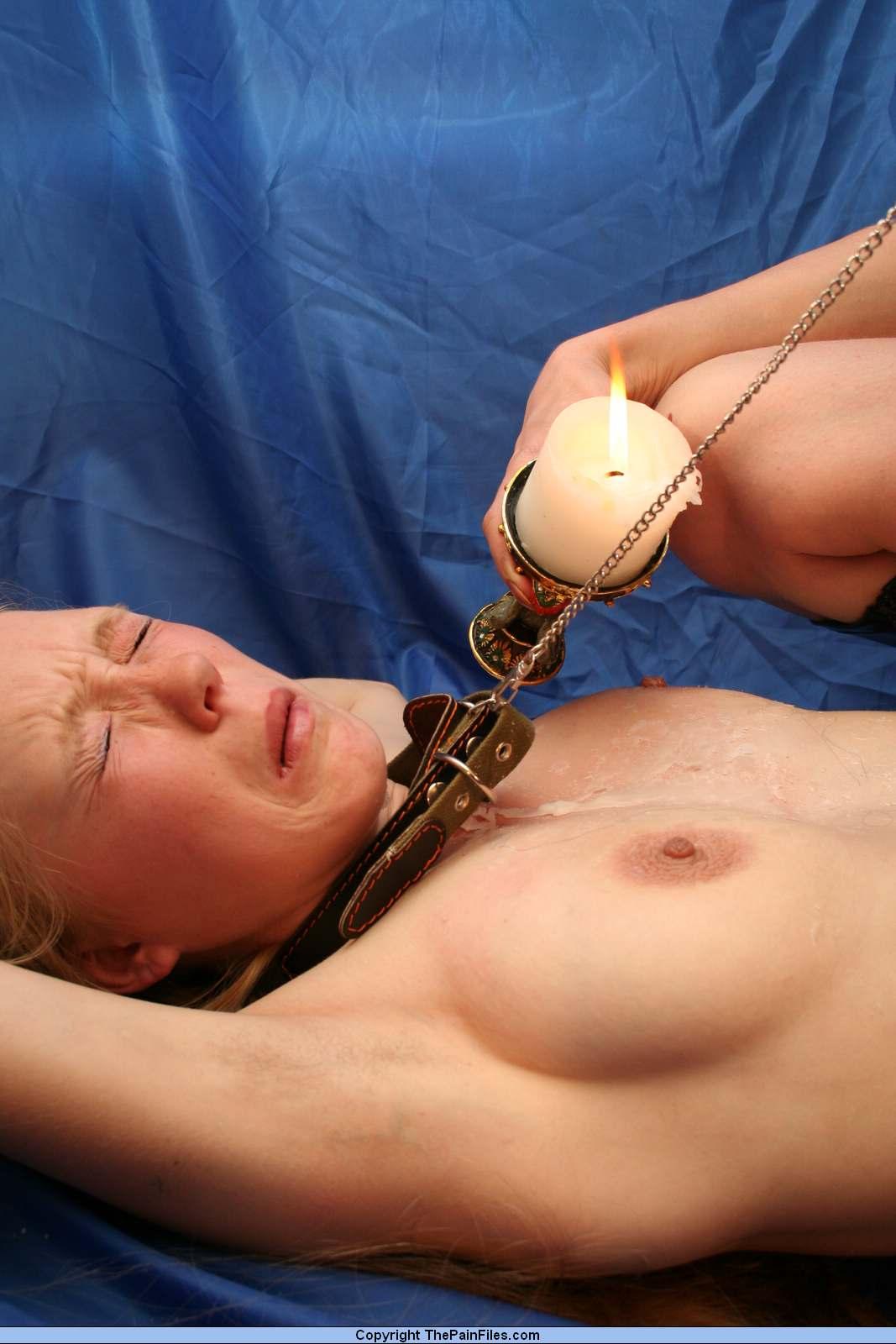 Секс с горячим воском на пизде 4 фотография