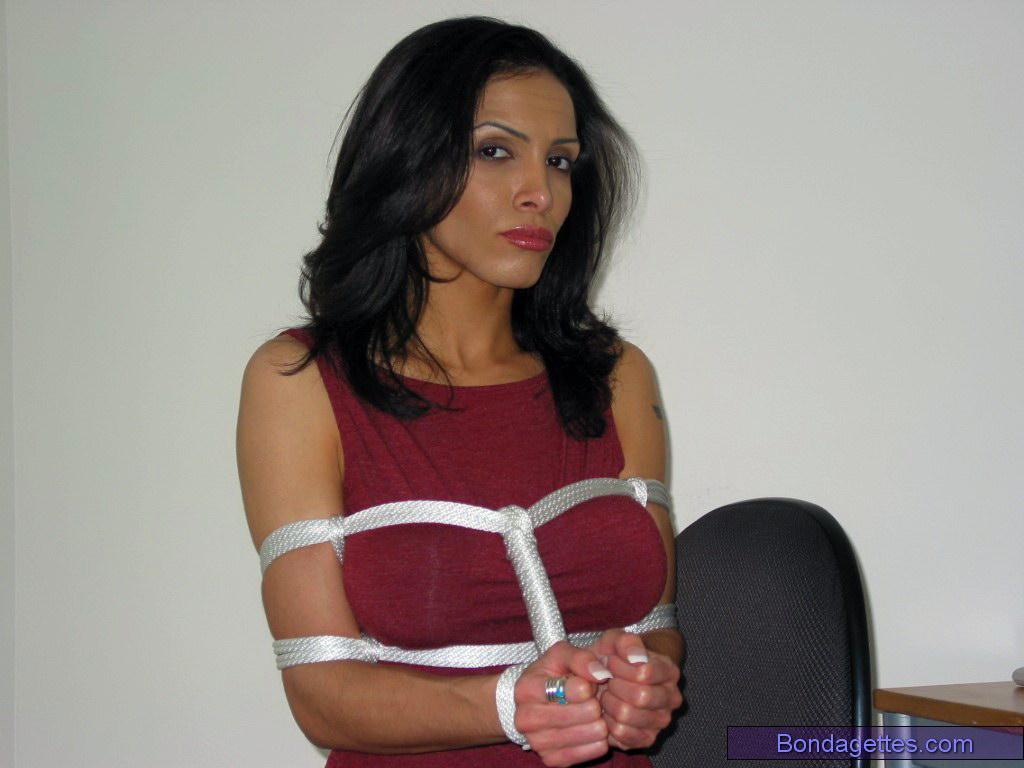 indian nude secretary pics